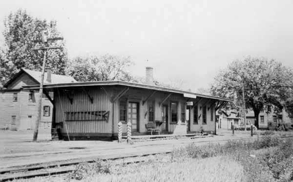 Postcard: Central New England Railroad Station, Pine ...